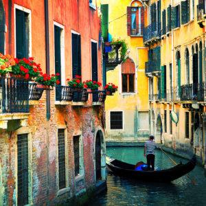 Venice,Italy-FlowersGondolier